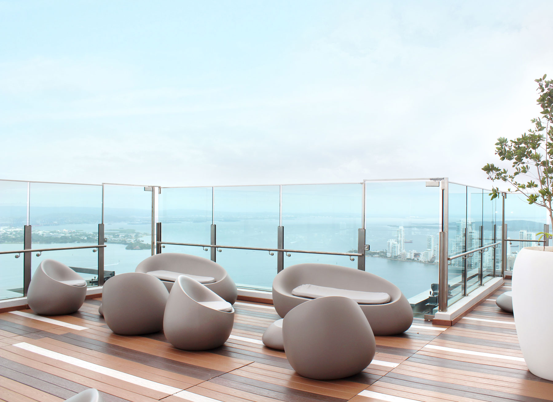 outdoor design furniture sofas sunbed stones frame hotel estelar cartagena colombia vondom 1