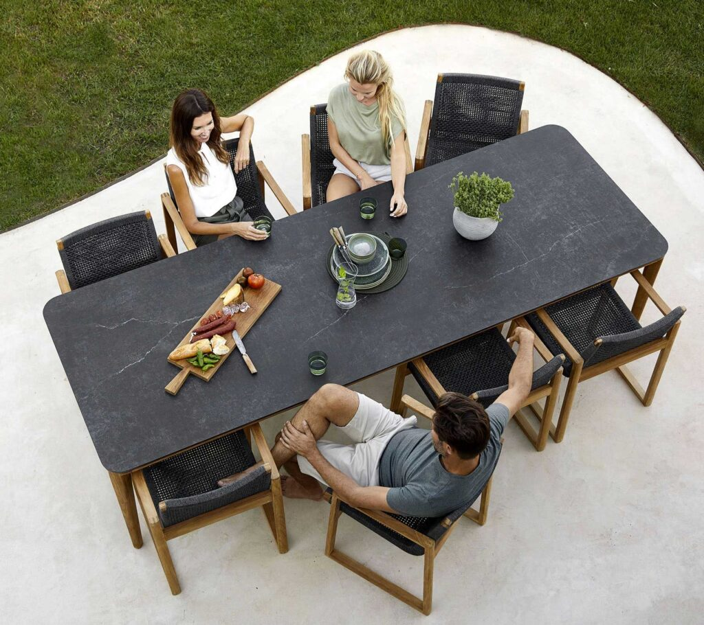 Caneline-Aspect-dining-table