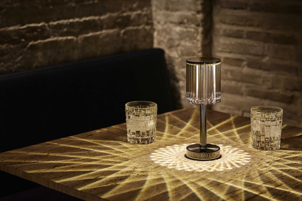 contract-design-ligthing-table-lamp-gatsby-collection-by-ramon-esteve-vondom-1