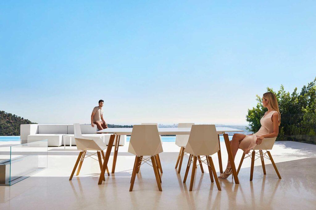 design-contract-furniture-chairs-tables-faz-wood-ramon-esteve-vondom