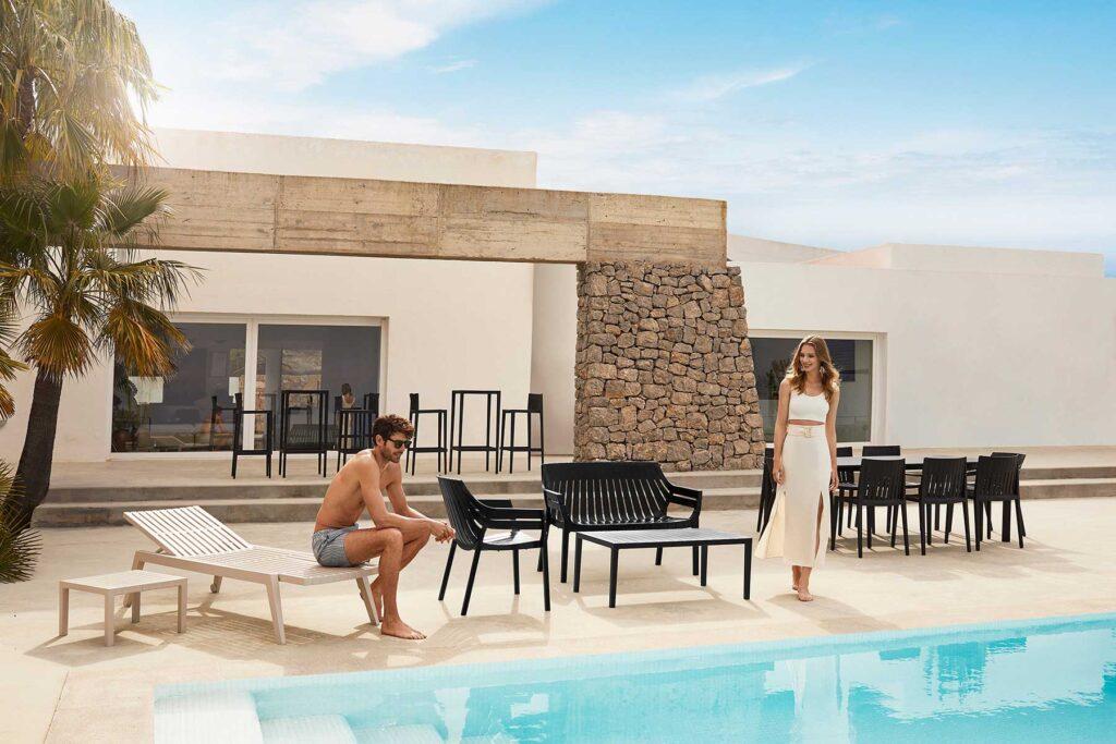 hospitality-design-furniture-contract-chairs-tables-armchairs-sofas-spritz-archirivolto-vondom