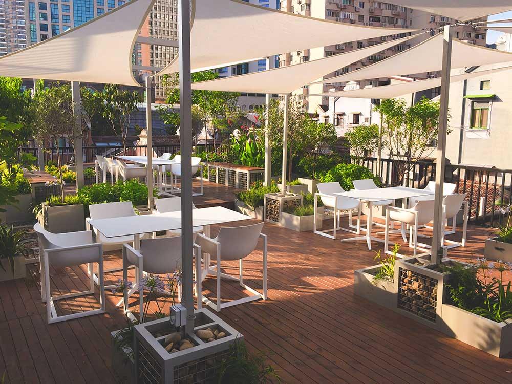 hospitality-design-outdoor-furniture-chairs-tablets-wallstreet-faz-vondom-3
