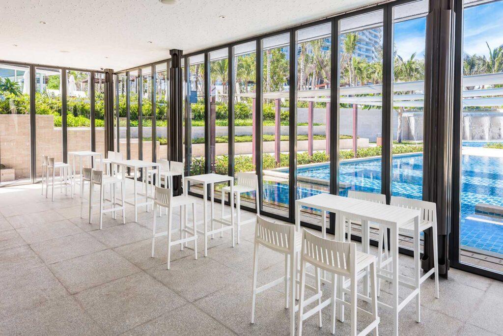 hospitality-furniture-barstool-bartable-spritz-archirivoltodesign-vondom-1