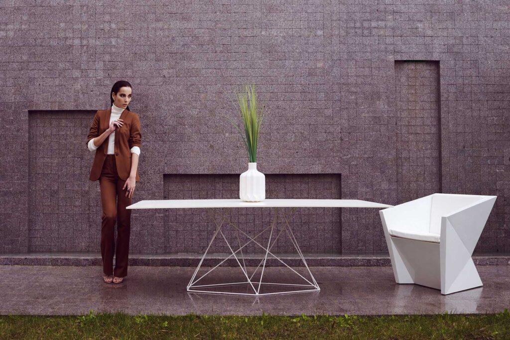 hospitalitydesignfurniture-table-armchair-faz-ramonesteve-vondom