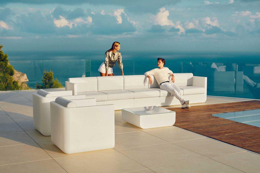 outdoor-design-furniture-sofa-armchair-coffeetable-ulm-ramon-esteve-vondom