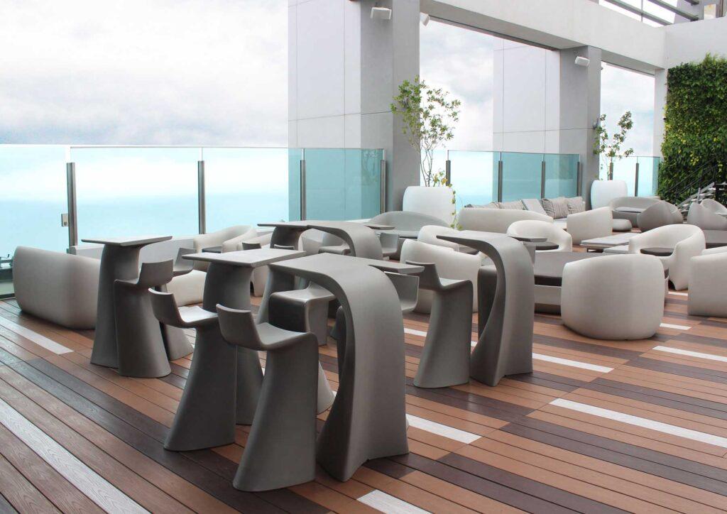 outdoor-design-furniture-sofas-sunbed-stones-frame-hotel-estelar-cartagena-colombia-vondom-4