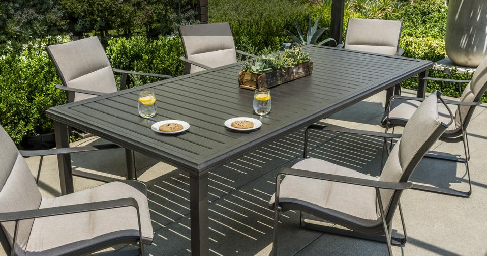 residential_image_samba-padded-sling-dining-amici-table-location3