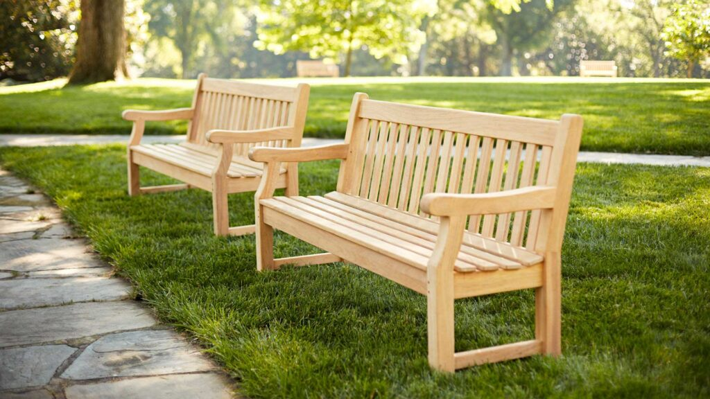 roble-contract-benches