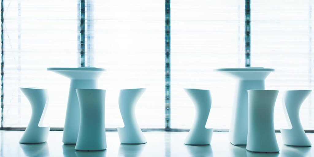 stool-bar-table-luxury-outdoor-furniture-designmoma-javier-mariscal-vondom